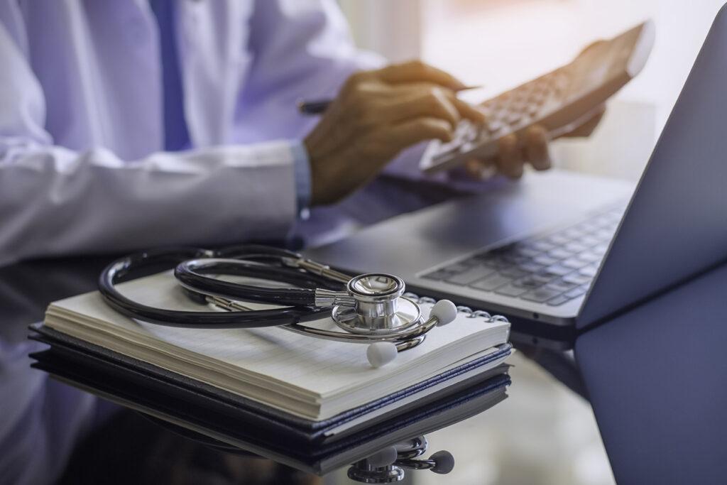 Medical-Bill-Advocate-doctor